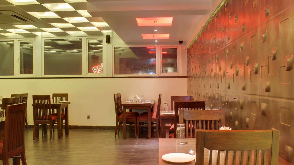 The Grand Lounge Grand Godwin New Delhi 7
