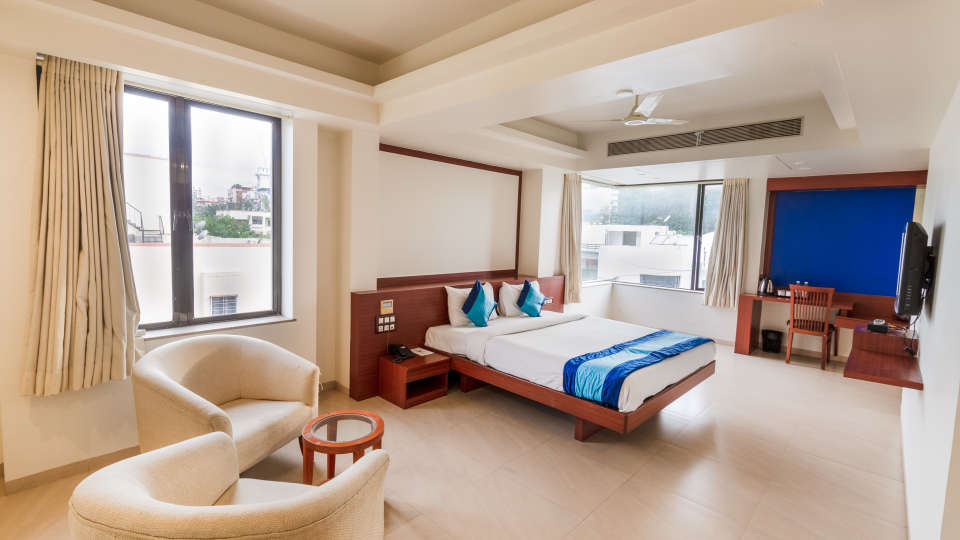 19-Suite room