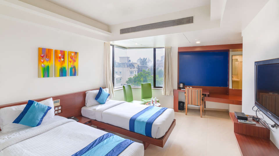 5-Executive room - Twin bed 1