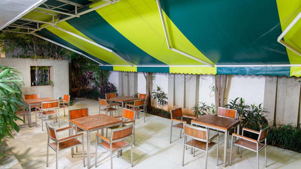 32-Outdoor restaurant 1
