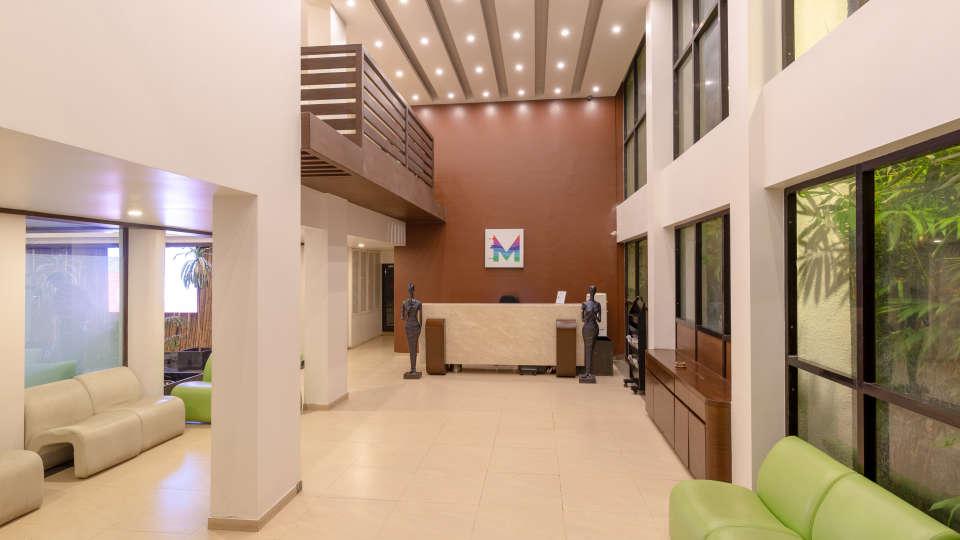 7-Lobby