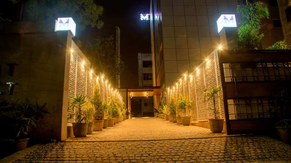 Entrance to our hotel, Hotel Mint Select, Noida