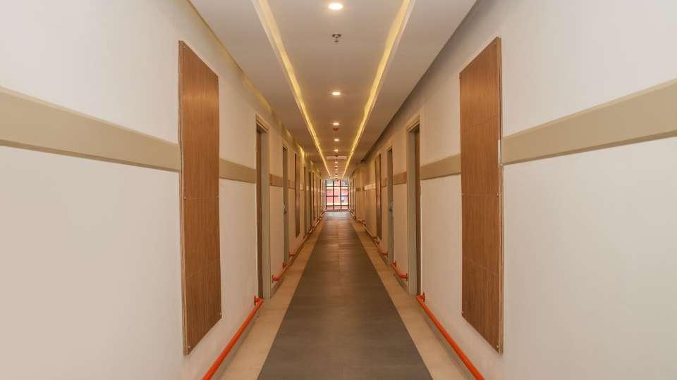 Corridor Hotel Polo Max Allahabad