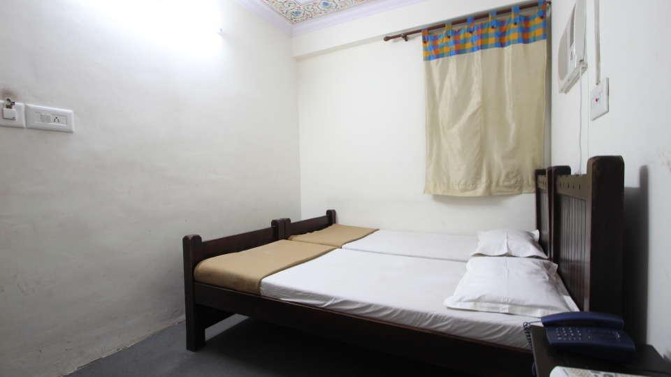 Hotel Raghuraj Palace Jaipur Deluxe Rooms Hotel Raghuraj Palace Jaipur 1