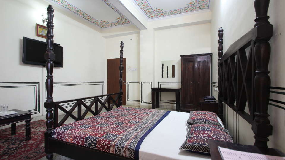 Hotel Raghuraj Palace Jaipur Super Deluxe Rooms Hotel Raghuraj Palace Jaipur 1