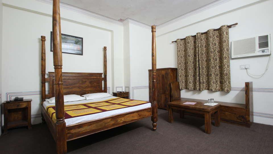Hotel Raghuraj Palace Jaipur Super Deluxe Rooms Hotel Raghuraj Palace Jaipur 4