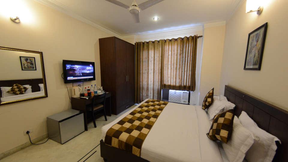 Hotel Royal Sapphire, Gurgaon Gurgaon Luxury Room 1 Hotel Royal Sapphire Gurgaon