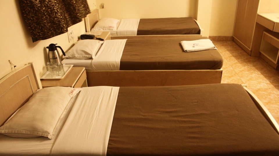 Hotel Shivkrupa, Pune Pune Three Bed Room Hotel Shivkrupa Pune 2