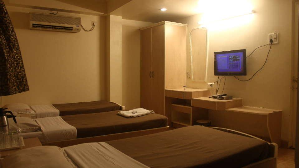 Hotel Shivkrupa, Pune Pune Three Bed Room Hotel Shivkrupa Pune