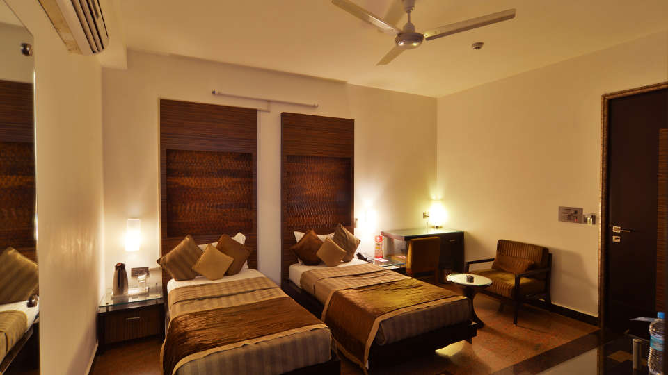 Hotel Shreyans Inn, Safdarjung Enclave, New Delhi Delhi Shreyans Inn Safdarjung Enclave New Delhi Deluxe Rooms22