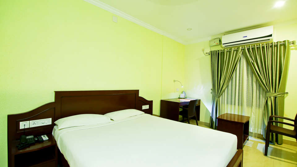 ROOMS , Sree Gokulam Fort Hotel ,Budget Hotel in Thalassery11