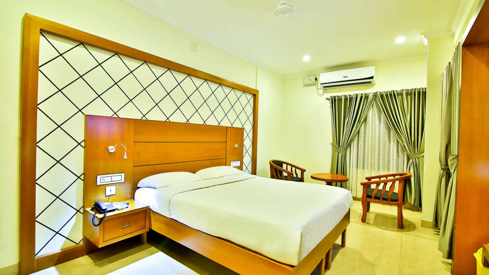 ROOMS , Sree Gokulam Fort Hotel ,Budget Hotel in Thalassery4