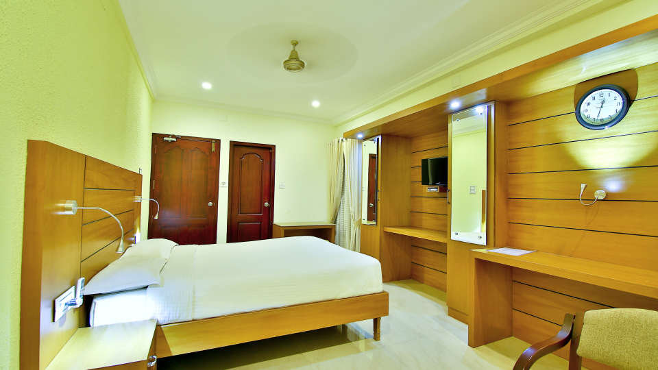 ROOMS , Sree Gokulam Fort Hotel ,Budget Hotel in Thalassery2