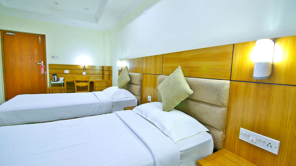 AC Standard, Rooms in Amballur, Stay in Thrissur, Sree Gokulam Residency 1