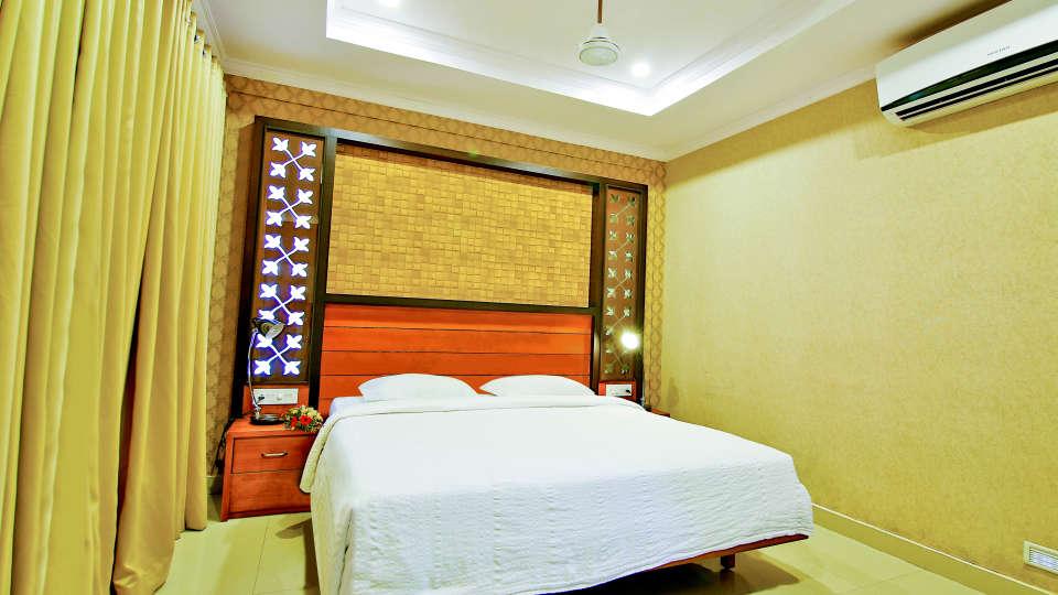 Double Deluxe Rooms, Hotel Sree Gokulam Vanamala, Stay in Guruvayur