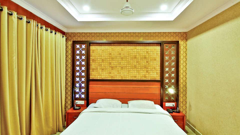 Double Deluxe Rooms, Hotel Sree Gokulam Vanamala, Stay in Guruvayur 1