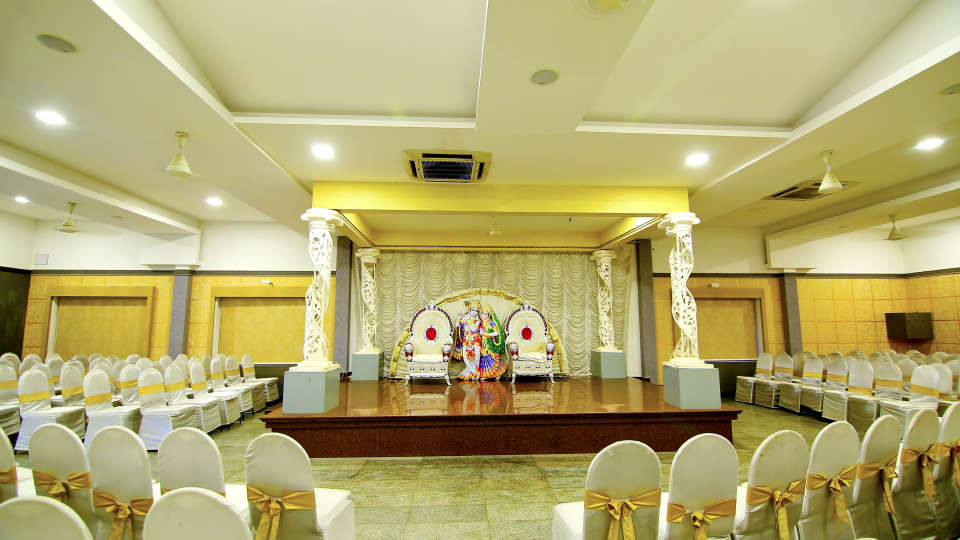 Hall 1, Hotel Sree Gokulam Vanamala, Banquet Hall In Guruvayur