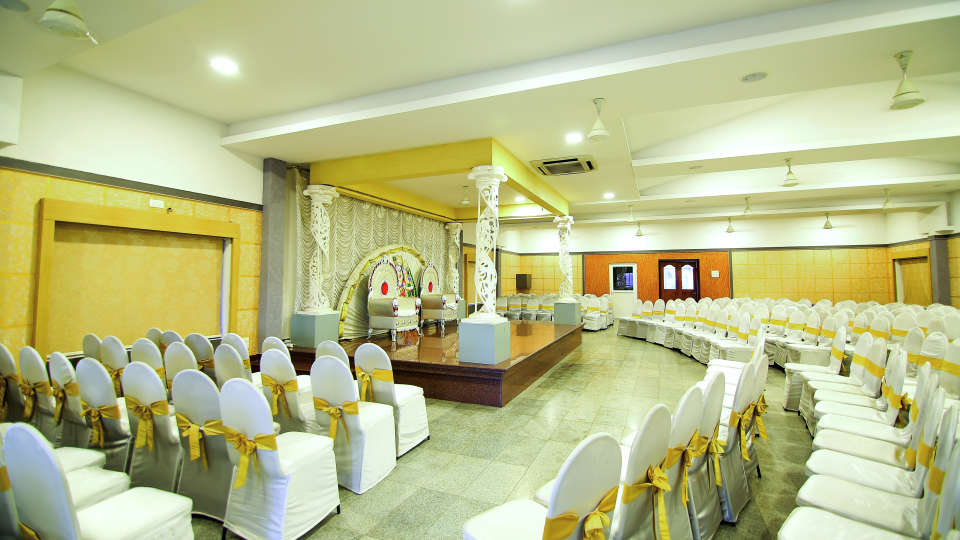 Hall 1, Hotel Sree Gokulam Vanamala, Banquet Hall In Guruvayur 2