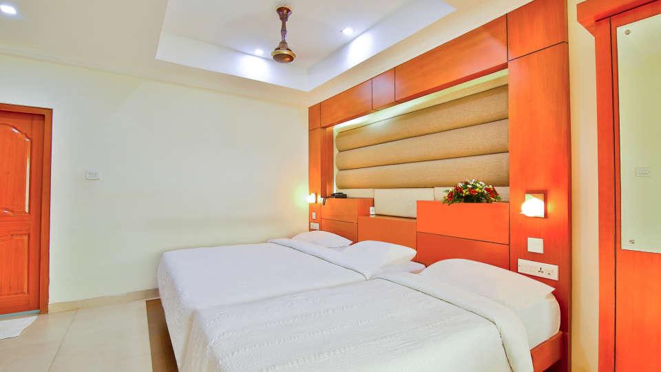 Triple Deluxe Rooms, Hotel Sree Gokulam Vanamala, Stay in Guruvayur