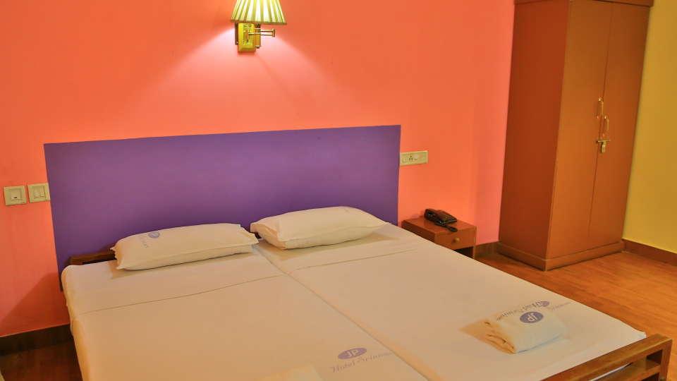 Hotel Srinivas, Kochi Cochin Double Non- AC Room Hotel Srinivas Kochi 2