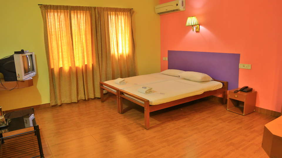 Hotel Srinivas, Kochi Cochin Double Non- AC Room Hotel Srinivas Kochi