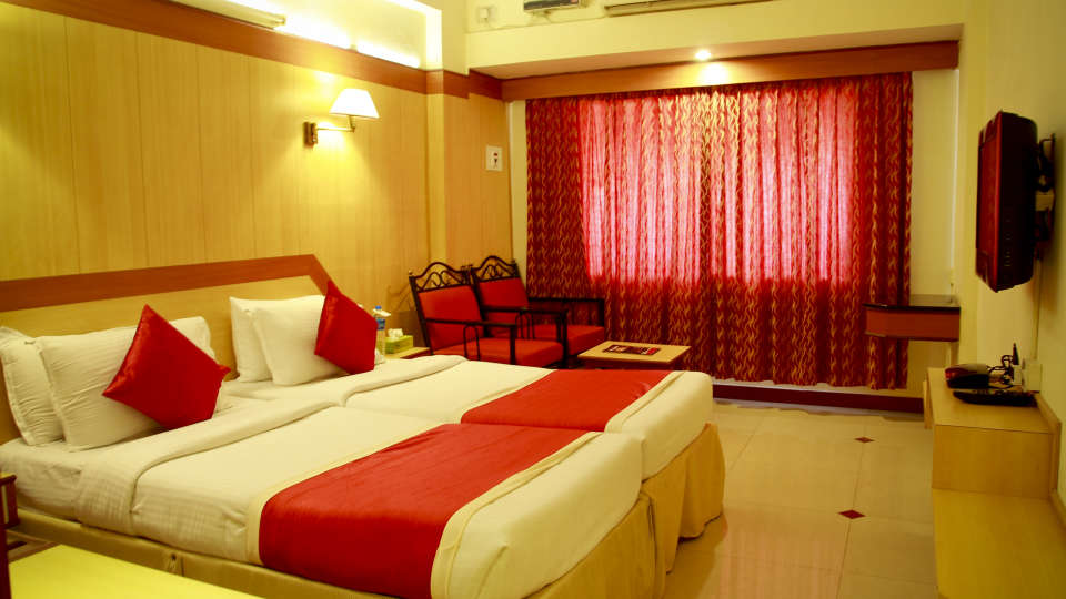 Hotel Rooms near Majestic, Hotel Swagath, Standard AC Rooms 4
