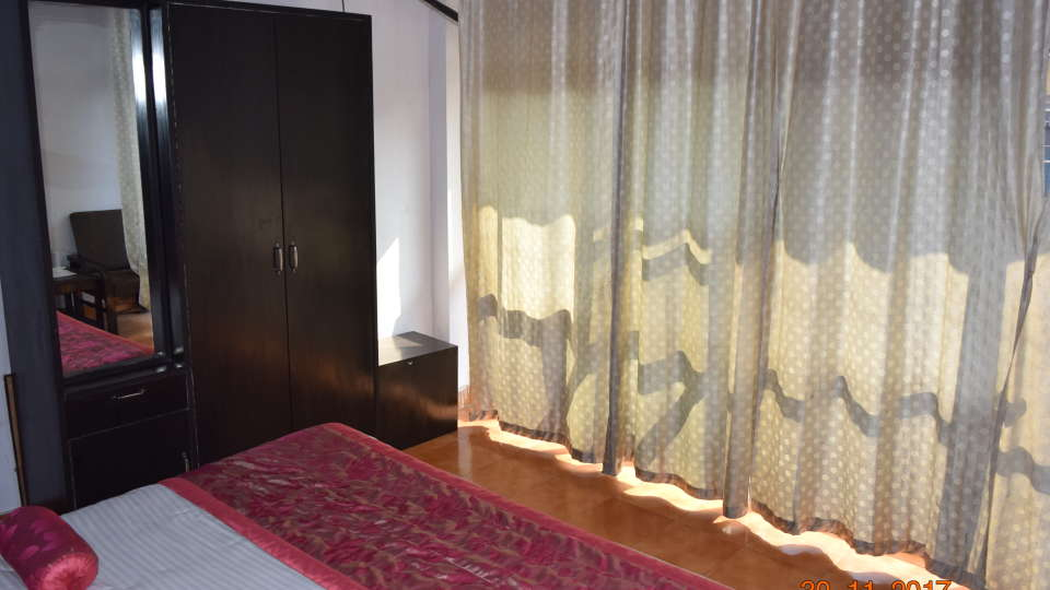 Deluxe Double A/C Room at Hotel Trishul, Haridwar, Hotels near Railway station in haridwar