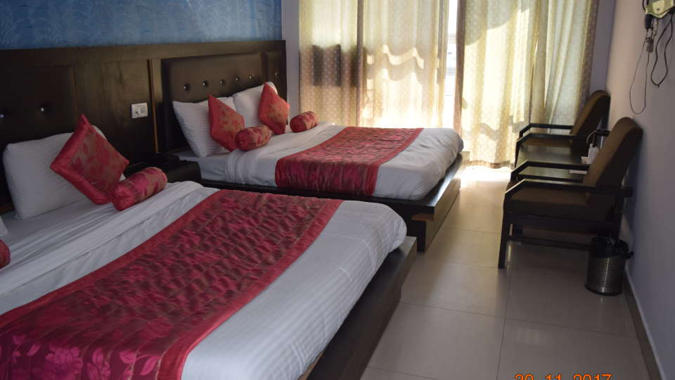 Deluxe Triple Bed A/C Room at Hotel Trishul - Budget Hotels, Har ki Pauri Hotels, Haridwar Hotels