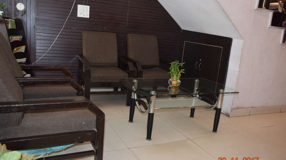 Lounge at Hotel Trishul -  Budget Hotels, Har ki Pauri Hotels, Haridwar Hotels