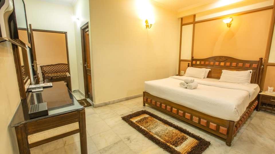 Double Bed Executive Suite at Hotel Vasundhara Palace Rishikesh 4