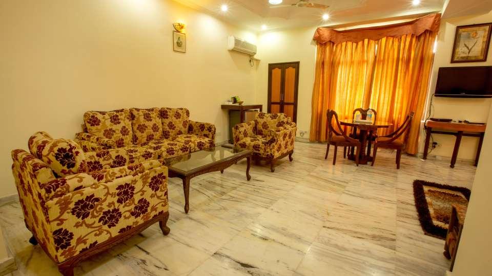 Twin Bed Executive Suite at Hotel Vasundhara Palace Rishikesh 6