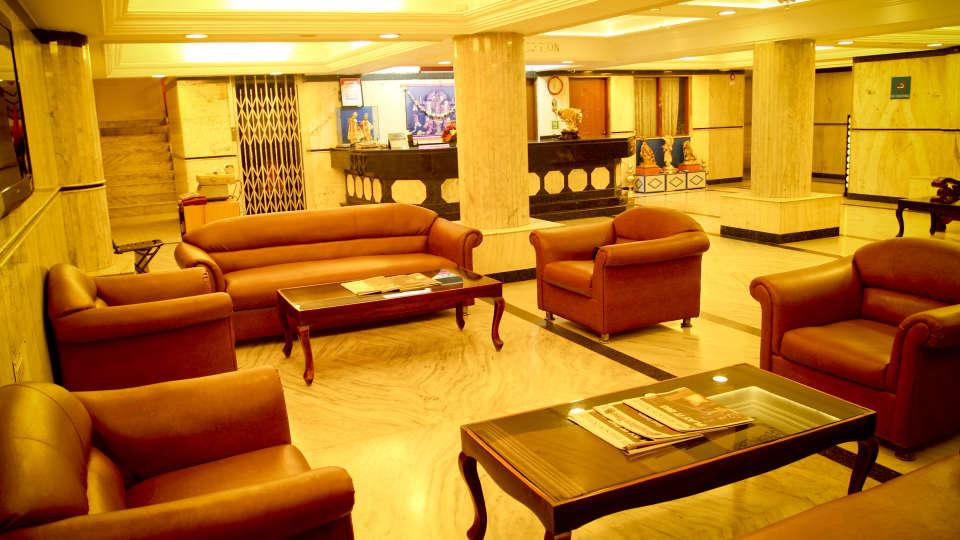 Lobby Hotel Yasodha Towers 18