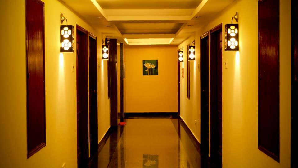 Lobby Hotel Yasodha Towers 21