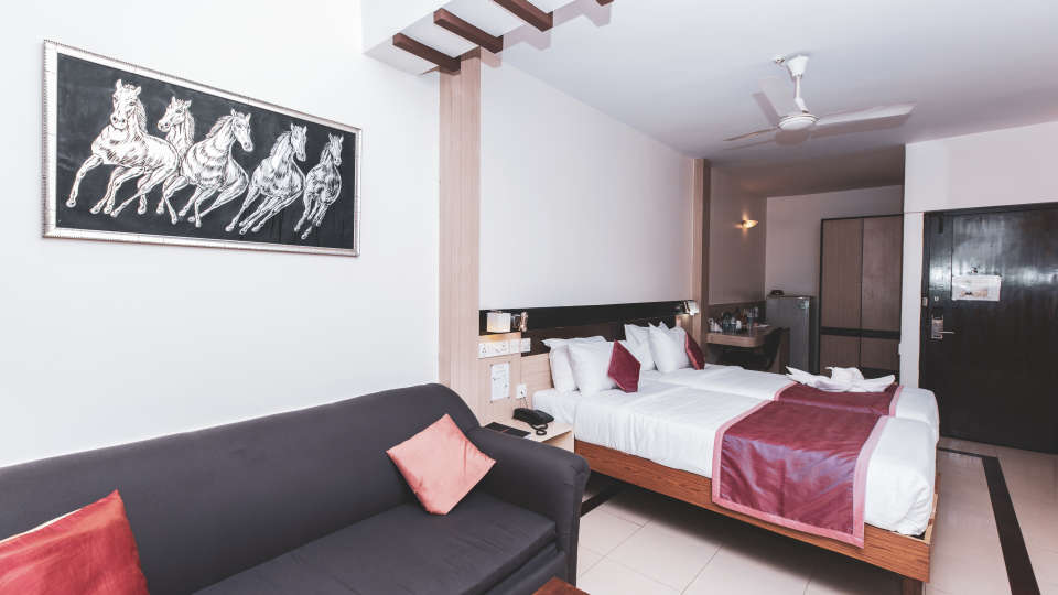 Hotel Rooms in Bangalore, iStay Hotels - Infantry Road, Deluxe Rooms 2