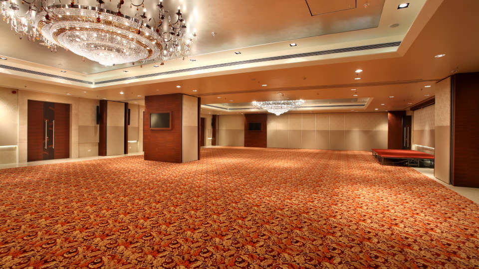 Banquet hall at Mahagun Sarovar Portico Vaishali, hotels in vaishali 1