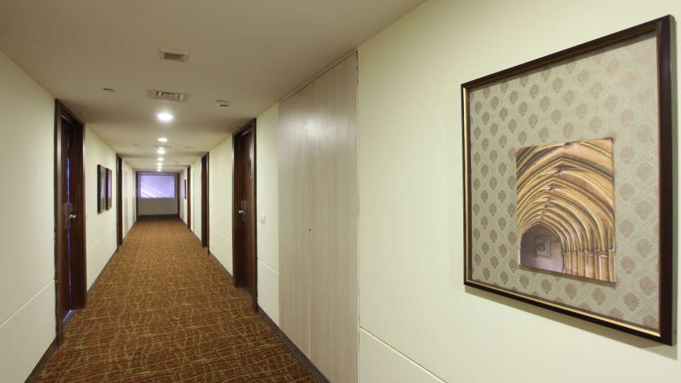 Corridor Mahagun Sarovar Portico Vaishali 2