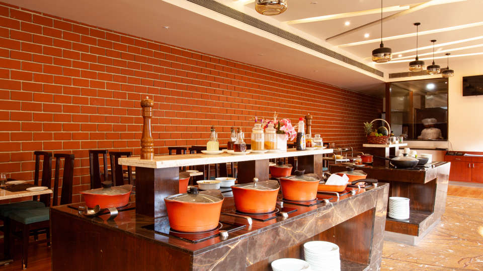 Restaurant in Manipal, Mango Hotels - Manipal, MoXa Bistro 7