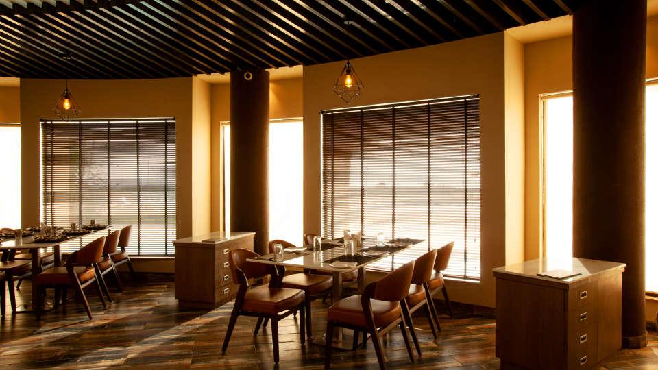 Kalpvrixa Restaurant, Mango Hotels Select Dwarka 2