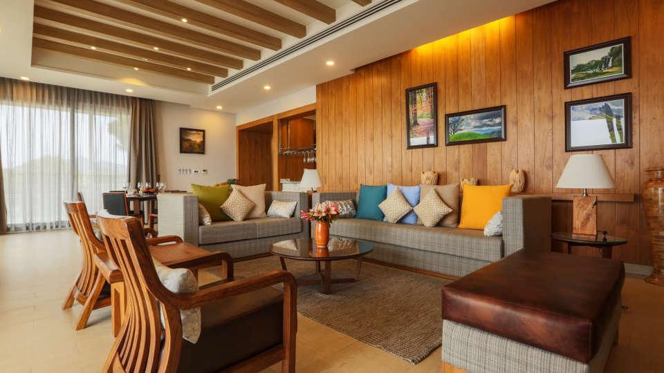 Royal Suite Moksha Himalaya Spa Resort Parwanoo 3