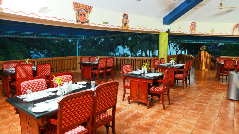 Renai Kappad Beach Resort Sea Facing Restaurant