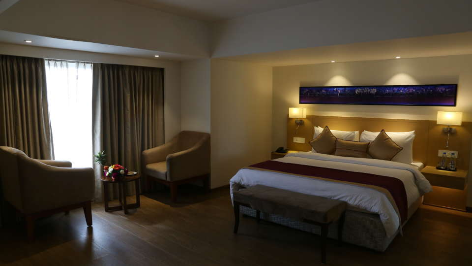 Deluxe Rooms Sarovar Portico Ahmedabad 2