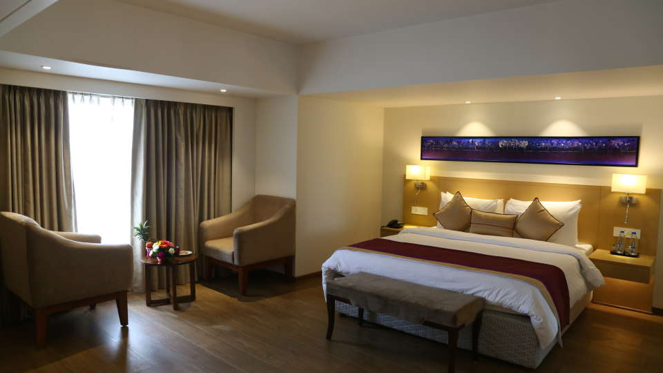 Deluxe Rooms Sarovar Portico Ahmedabad 3