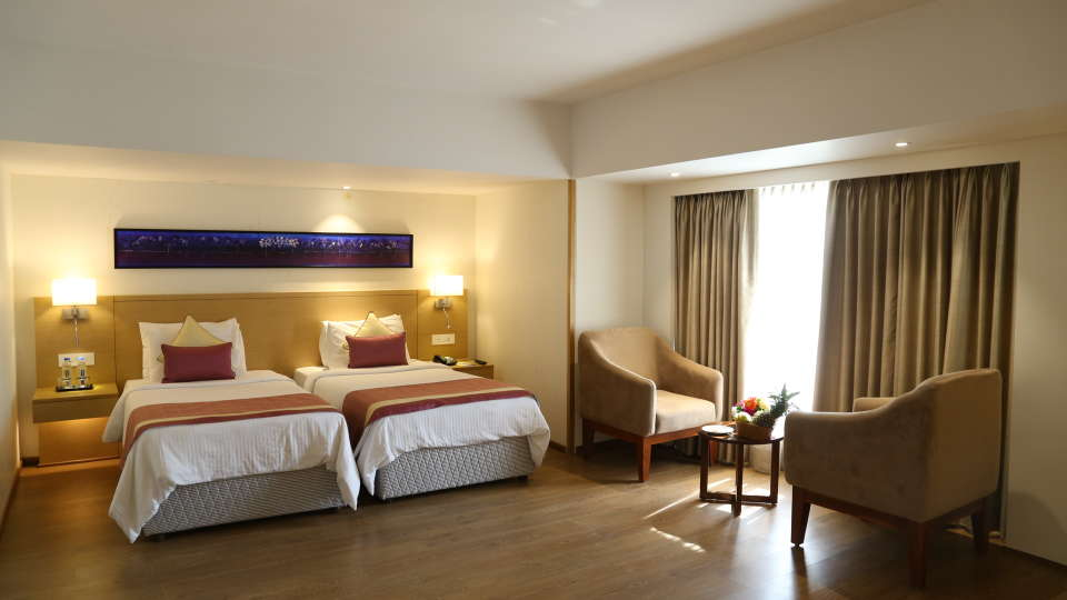 Deluxe Rooms Sarovar Portico Ahmedabad 8
