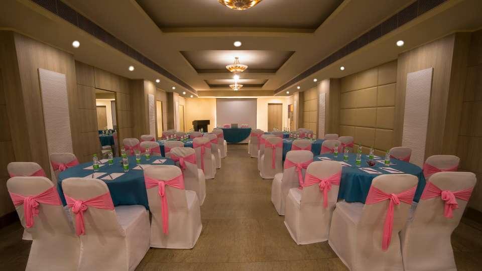 Banquet at Sarovar Portico Naraina 3