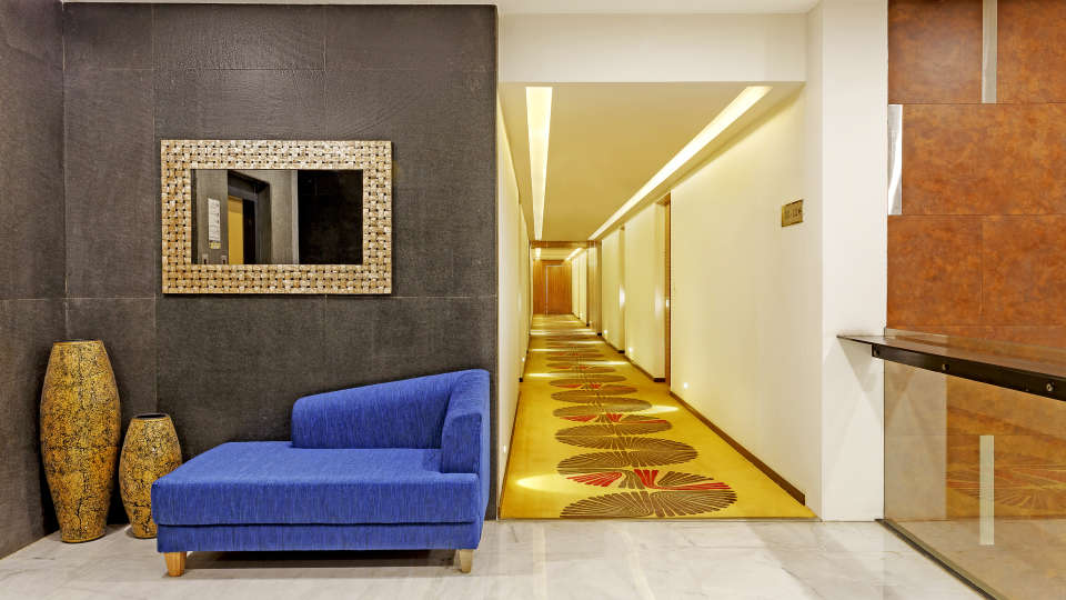 13 Rooms corridor