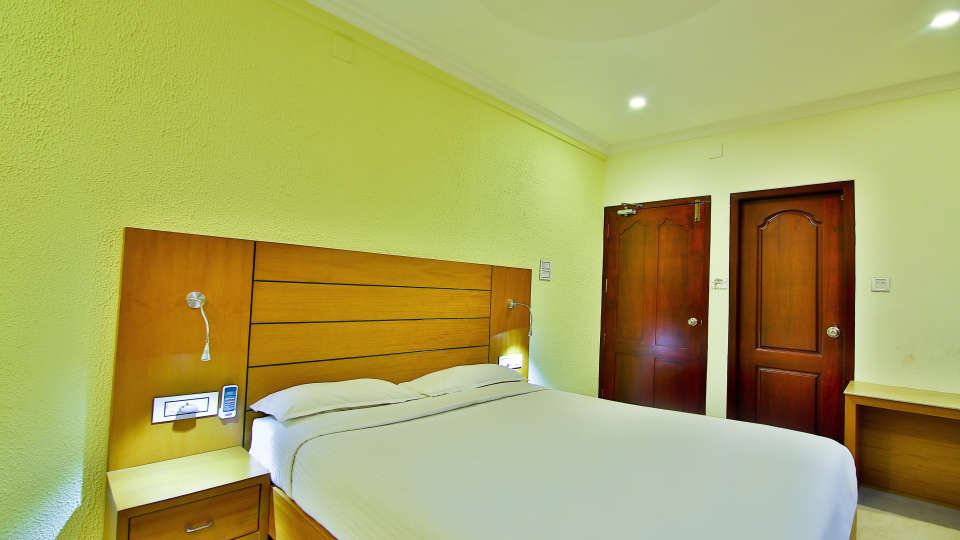 ROOMS , Sree Gokulam Fort Hotel ,Budget Hotel in Thalassery5