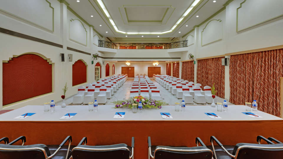 Banquet Hall in Tiruchirappalli at the SRM Hotel 5