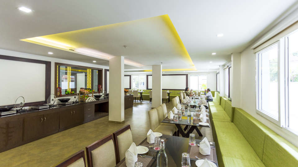 Restaurant at Summit Hampton Kerla 2