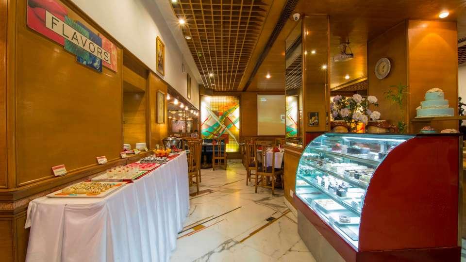 Flavors Restaurant  Cafe5, The Ambassador hotel Mumbai, Restaurant near Marine drive 512