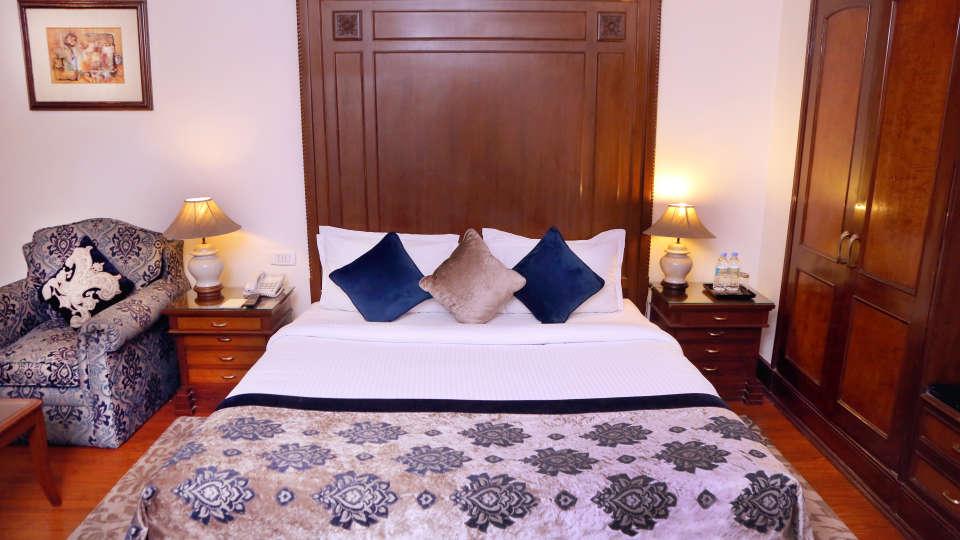 Business Suite, The Bristol Hotel Gurgaon, 5-star Hotel In Gurgaon 7791